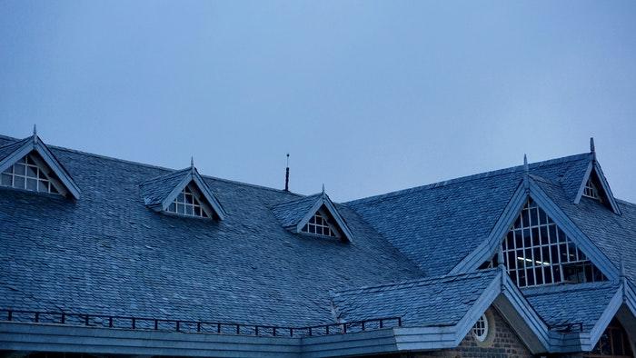 Der skal være plads til din antenne på taget